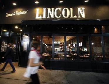 "South Boston, MA- 11-17-16: The exterior of ""Lincoln"" on West Broadway in South Boston is pictured. (Jim Davis/Globe Staff) reporter: nanos topic: 21Restaurantcluster"