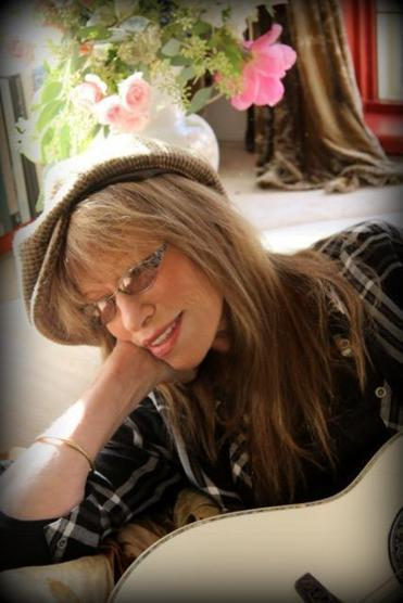 Carly Simon at home in 2016.