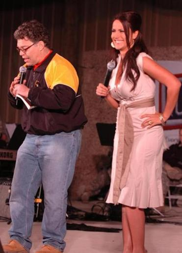 Comedian Al Franken and sports commentator Leeann Tweeden performed a skit in front of more than 2,000 service members during a USO show. Tweeden said Thursday she accepted Franken's apology.