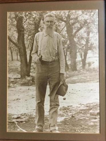 Umphrey Green Smith (1843-1927) was born in Alabama, lived in Oklahoma and died in Arkansas.