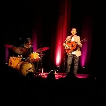 Jonathan Richman (right) with Tommy Larkins at the Somerville Theatre.