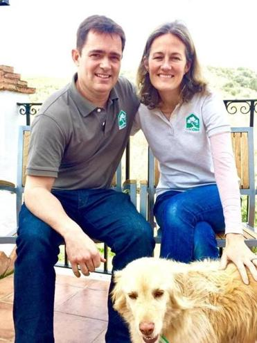 Casa Olea's owners Tim and Claire Murray-Walker and their dog Ruby.