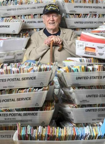 Daughters Plea Draws 50000 Birthday Cards For WWII Veteran
