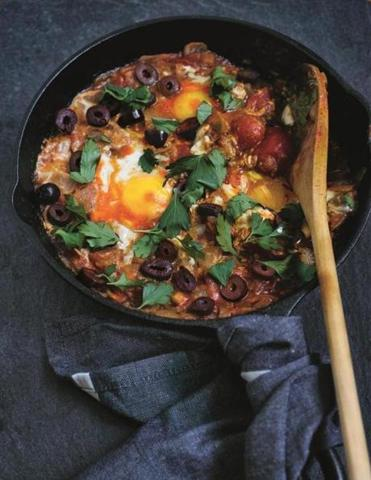 Recipe: A dish in 'Red Hot Kitchen' blends the Middle Eastern shakshuka with Asian sriracha