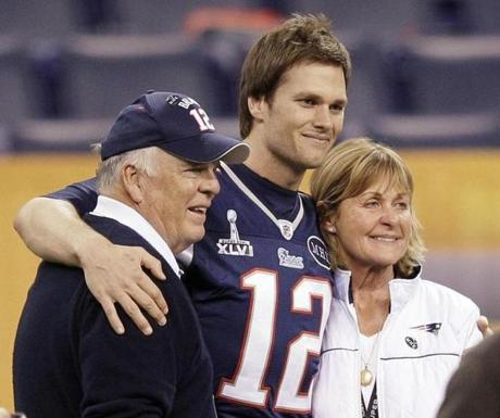 Tom Brady with his parents, Tom Sr. and Galynn, before Super Bowl XLVI in 2012.