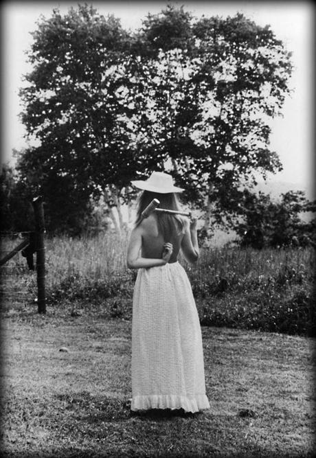 Jean Pepper takes a break from the annual ladies' tea, badminton, and croquet tournament in the summer of 1971.