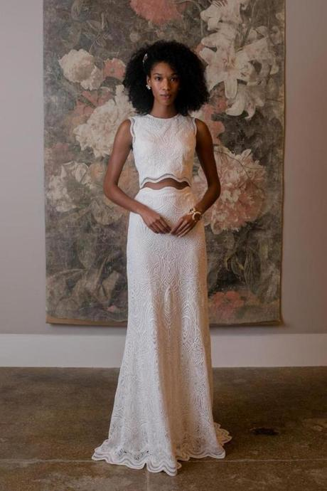 d5c03cd119d672 6 fresh wedding gown trends with sleek silhouettes