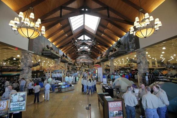 outdoor sports store cabela s opens to big crowds in berlin the boston globe. Black Bedroom Furniture Sets. Home Design Ideas