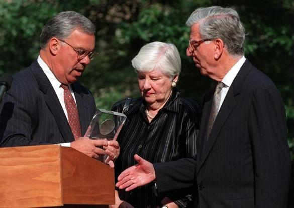 Mrs. Leventhal (center) looked on in 1997 as Mayor Thomas M. Menino honored her husband, Norman.