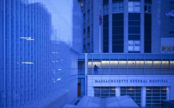 The Lunder Building at Massachusetts General Hospital, which opened in 2011, is where orthopedic surgeons operate.