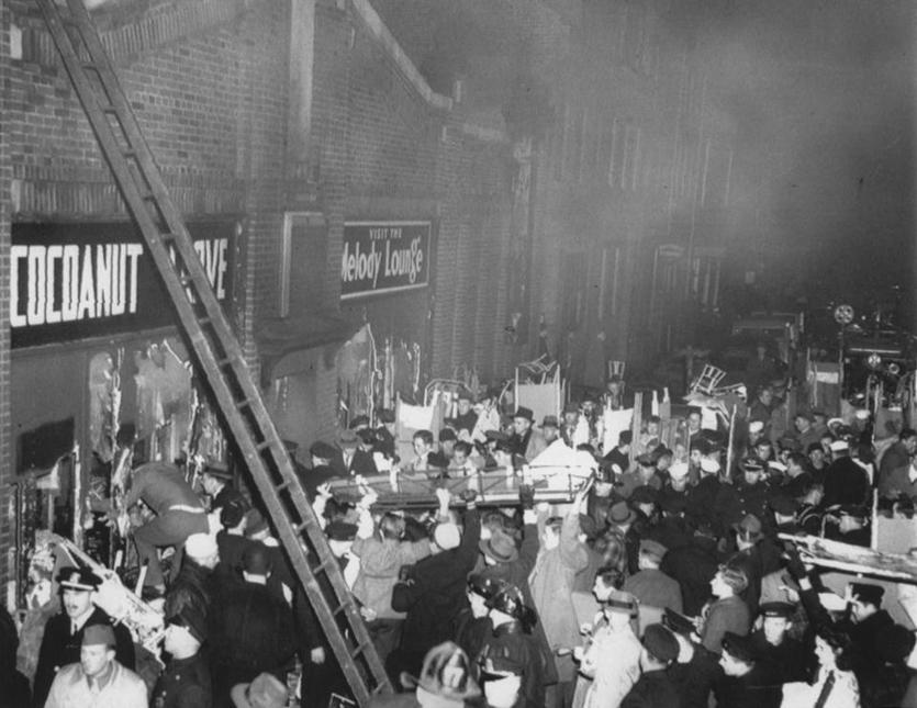 report on cocoanut grove nightclub fire In just minutes, the packed cocoanut grove nightclub was engulfed in flames as the thousand of patrons inside tried to escape, the blaze became worse in all, 492 people were killed during the fire, with hundreds more injured.