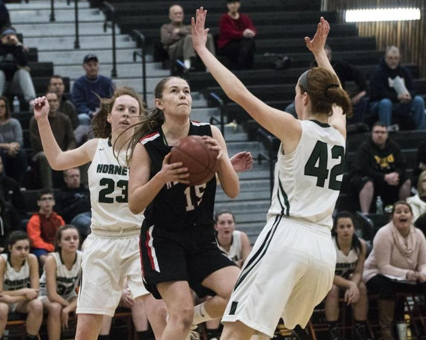 Wellesley guard Sophie Paulsen, who scored 12 of her 15 points in the first half, found it difficult to score in the second half against Mansfield's spirited defense.