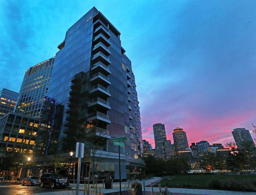 Fallon Co.'s 22 Liberty condos in the Seaport target suburbanites, the developer says.