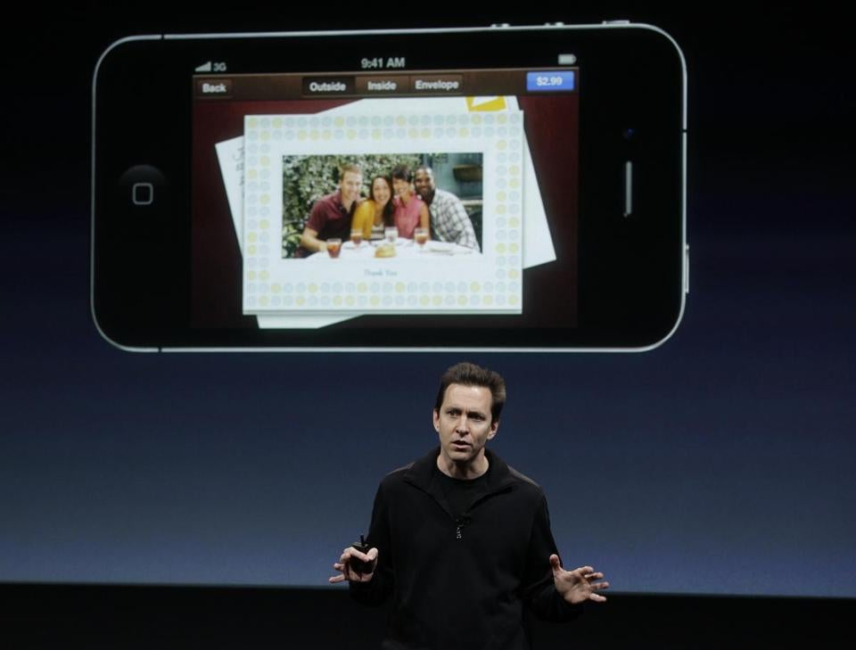 Scott Forstall of Apple last year discussed an app that allows users to create and mail greeting cards using their iPhones.