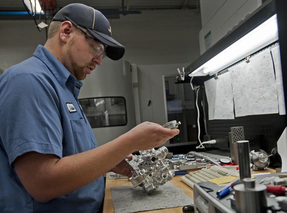 Manufacturers seek skilled workers - The Boston Globe