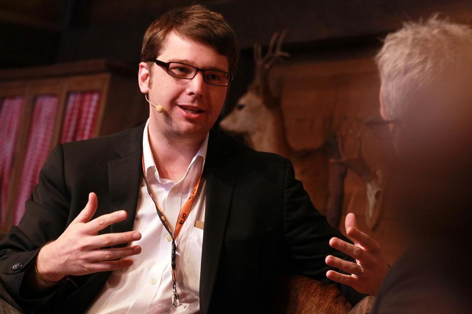 To grow and distinguish his company from copycats, Andrew Mason, Groupon's CEO, got into e-commerce.