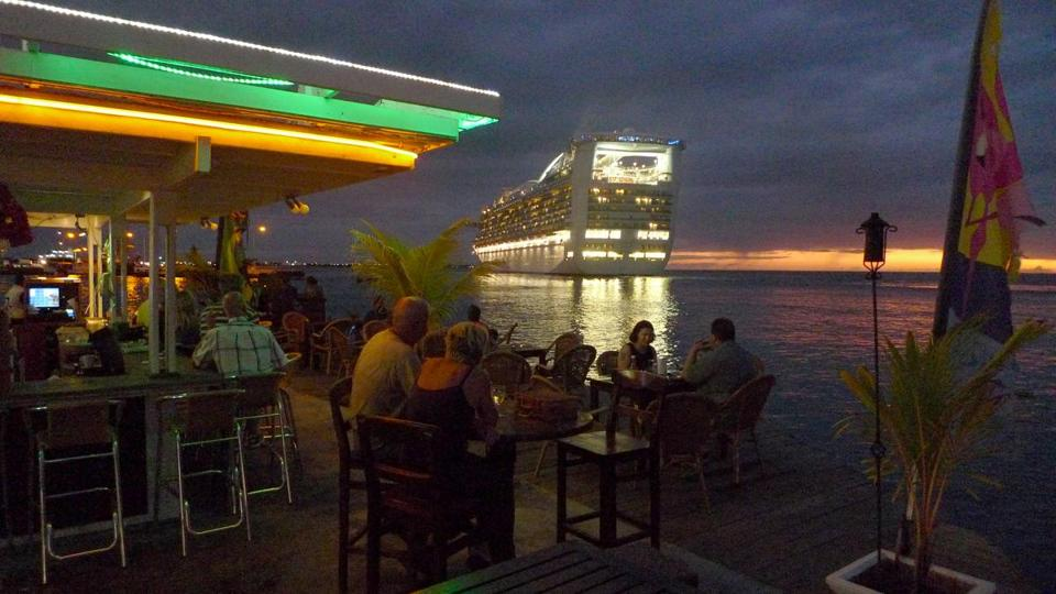 "In Kralendijk, the isle of Bonaire's capital and main port, the dining choices are plentiful. Kralendijk is Dutch for ""coral reef""; the island is part of the Dutch Caribbean."
