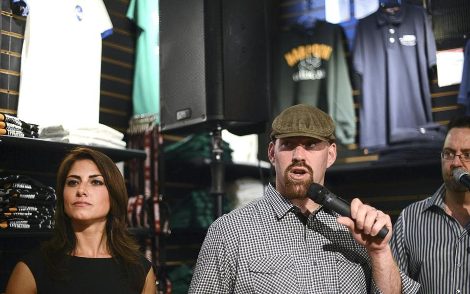 Jenny Dell and Kevin Youkilis at the Youk's Kids fund-raiser.