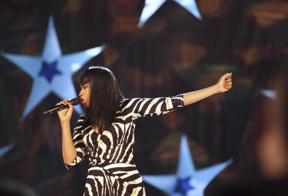 Jennifer Hudson gave a booming performance Wednesday at the Fourth of July celebration on the Esplanade.