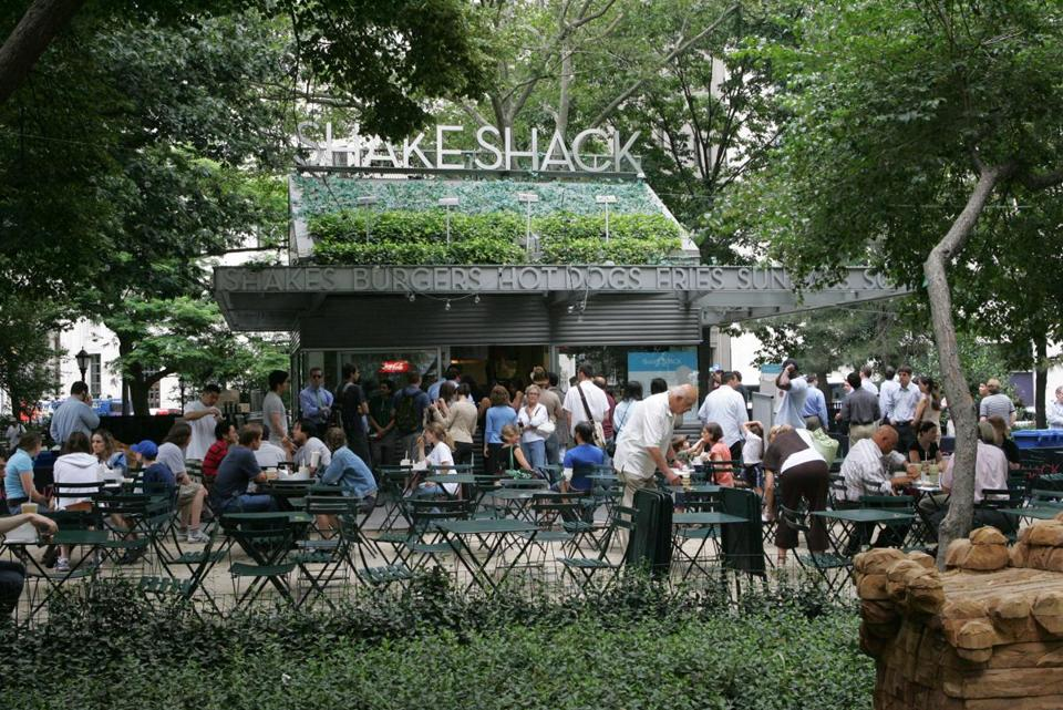 The line at the Shake Shack in Madison Square Park, a classic in a city full of them, can stretch from 11 to 11 — a.m. to p.m., that is.