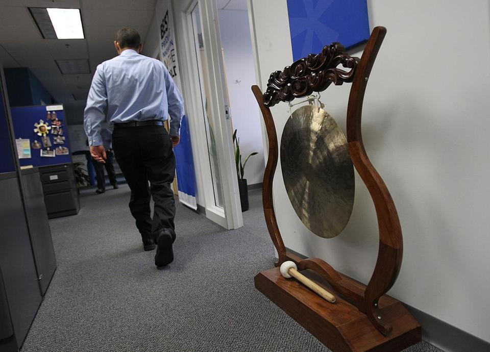 A gong sounds every time a client's employee appreciation program goes live at Globoforce, a Southborough company that practices what its markets by rewarding employees for their good ideas and hard work.
