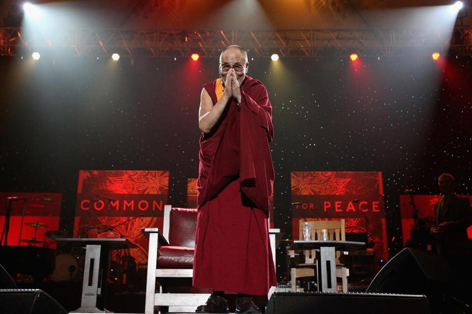 About 1,800 people are expected to greet the Dalai Lama. He visited Medford in 2003.
