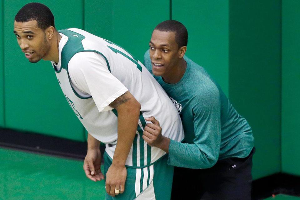 Rajon Rondo (right) and Courtney Lee have made a tight connection during training camp for the Celtics.