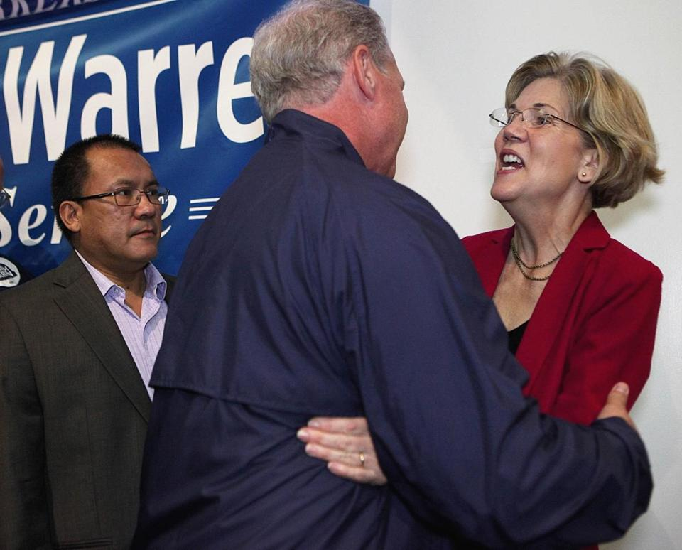 Elizabeth Warren greeted Bill McLaughlin after a labor rally.