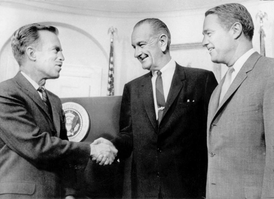 Jack Hood Vaughn (left) in 1966 with President Johnson and Sargent Shriver, his predecesser at the Peace Corps.