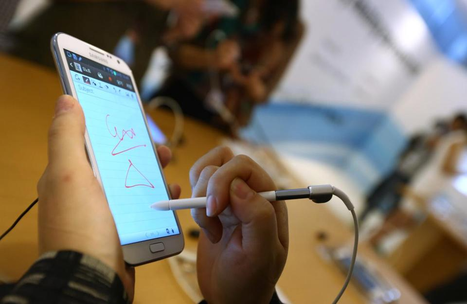 Samsung's Galaxy Note II recognizes notes that are handwritten on its screen via a built-in stylus, and runs the latest version of Google's Android operating system.