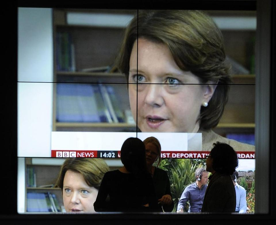 BBC said Helen Boaden, director of news, and her deputy, Stephen Mitchell, had nothing to do with the failed 'Newsnight' investigation of politician Alistair McAlpine.