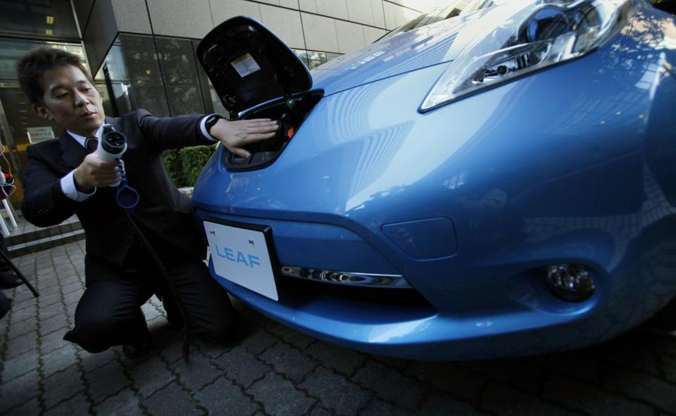 Travel distance between charges is a major issue for owners of electric vehicles, Nissan says.