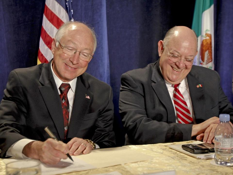 US Interior Secretary Ken Salazar (left) signed the deal with Commissioner Roberto Salmon of Mexico.