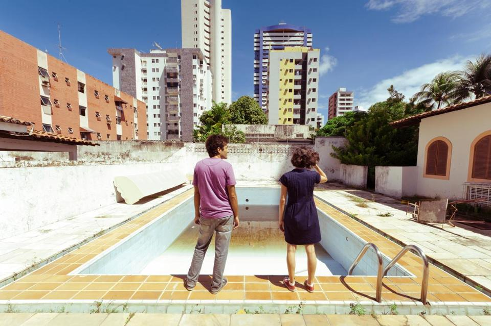Gustavo Jahn and Irma Brown in writer-director Kleber Mendonça Filho's Neighboring Sounds.""