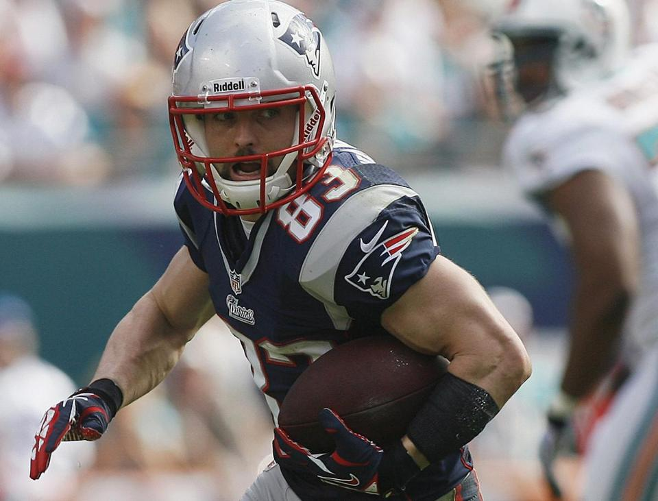Wes Welker, who suffered a torn ACL the last time the Patriots played Houston, could become the first player in history with five seasons of 100 or more receptions.
