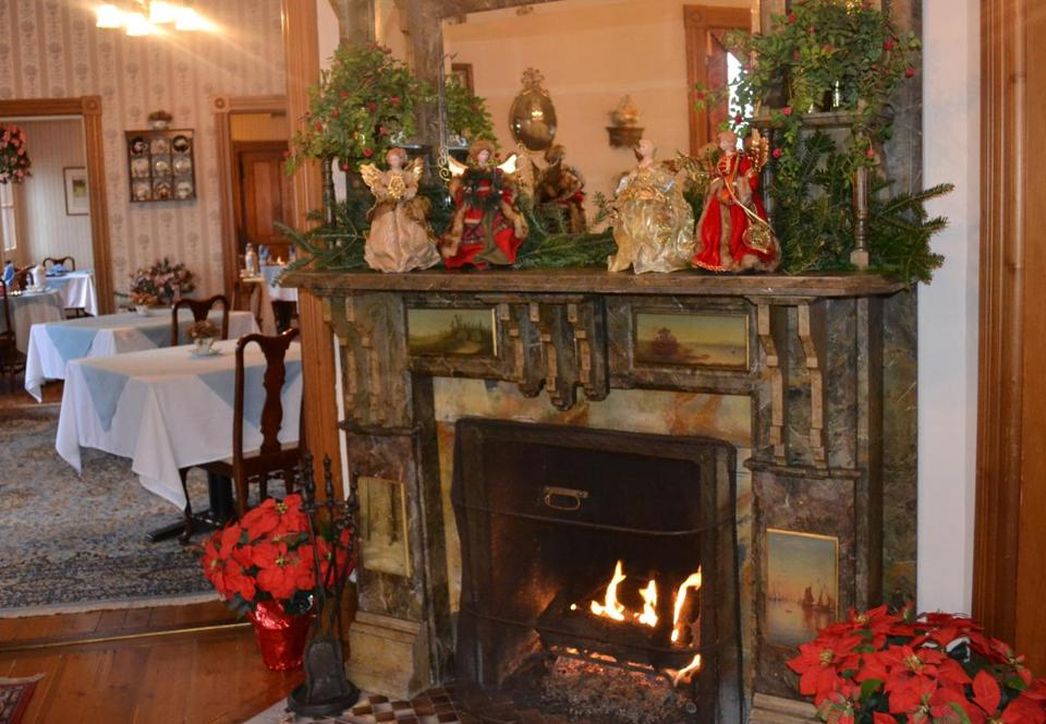 Guests at Governor's Inn in Ludlow, Vt. , warm up amid two fireplaces in the parlor and a Victorian aura everywhere.