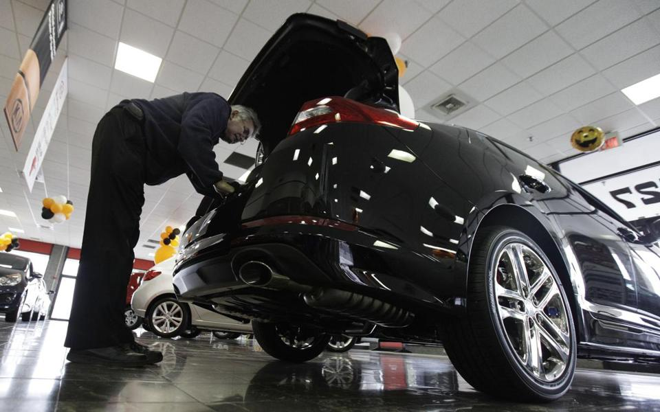 A bad year for car recalls due to defects did not slow down sales during 2012.