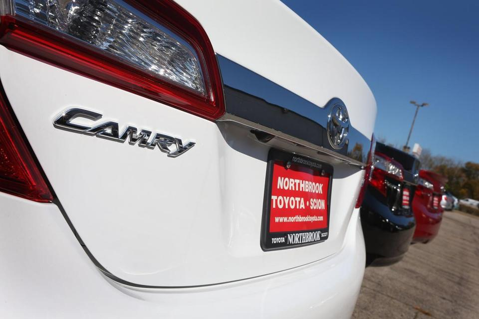 Toyota's mid-size Camry had the lowest rating in a test of severe front-end collisions, an auto safety group said.
