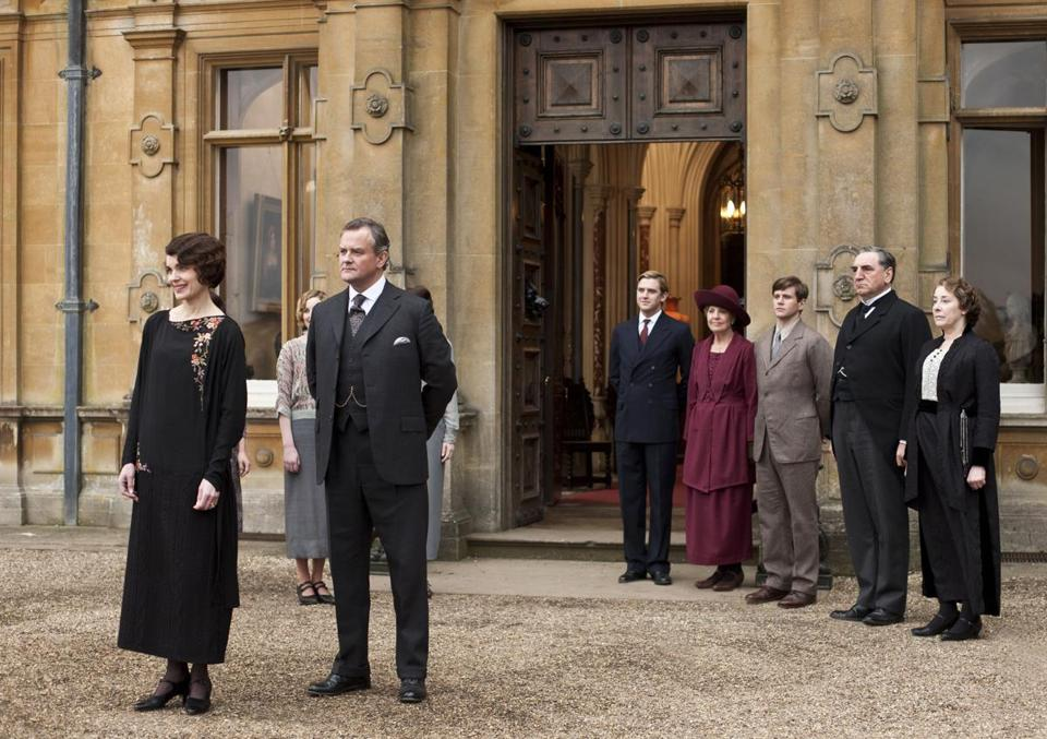 "From left: Elizabeth McGovern, Hugh Bonneville, Dan Stevens, Penelope Wilton, Allen Leech, Jim Carter, and Phyllis Logan in ""Downton Abbey,"" which begins its third season Sunday at 9 p.m. on Channel 2."