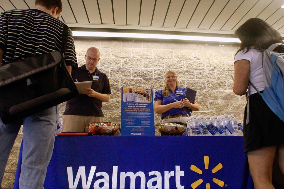 Walmart plans to begin a campaign to hire veterans on Memorial Day.