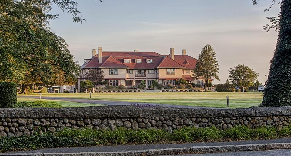 The Ocean Edge Resort & Golf Club in Brewster hosts special activities February 15-23 for kids and adults.