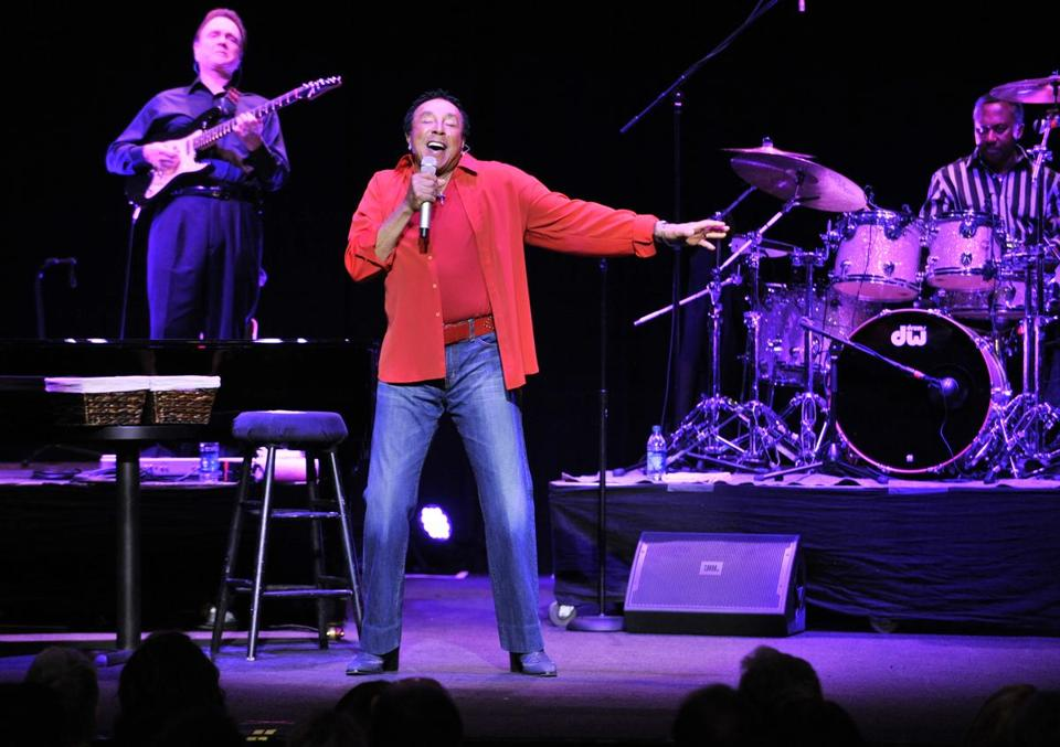 "Smokey Robinson kept it casual by telling the Wilbur Theatre audience, ""Tonight, you are in our living room."""