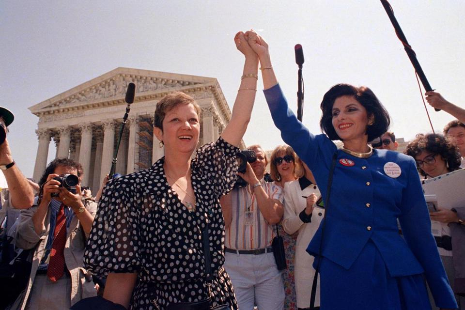 Norma McCorvey (left), the Jane Roe of the 1973 court case, and her attorney, Gloria Allred, left the Supreme Court in 1989 after the court heard a Missouri abortion case.