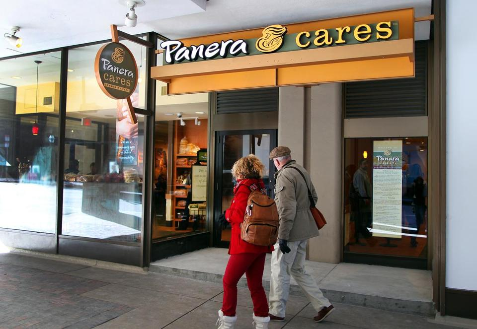 Boston-01/23/13- Panera Cares Community Cafe opens in Center Plaza, with a pay-as-you-can approach. Globe staff photo by John Tlumacki (business)