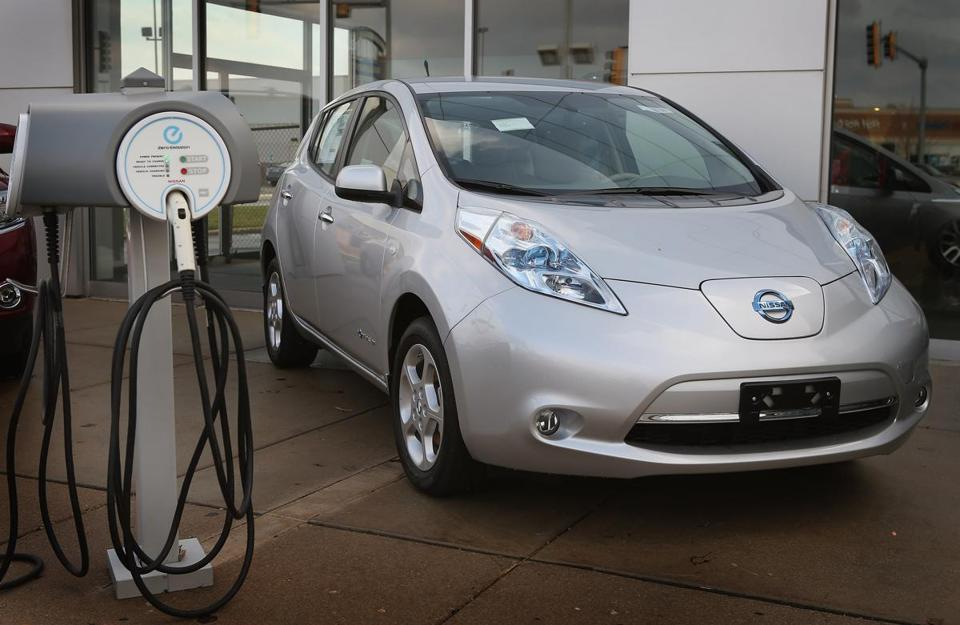 Enterprise Rent-A-Car has 15 Nissan Leaf electric vehicles available for use by visitors to Orlando.