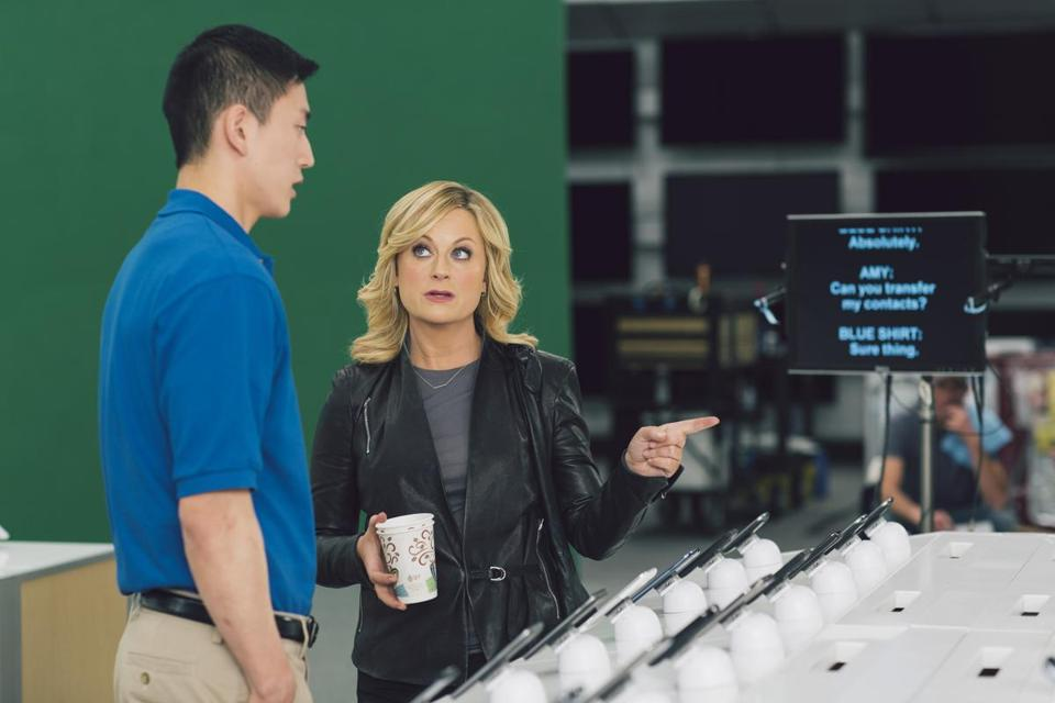 In a Best Buy ad, Amy Poehler, of NBC's ''Parks and Recreation,'' asks a store employee endless questions.