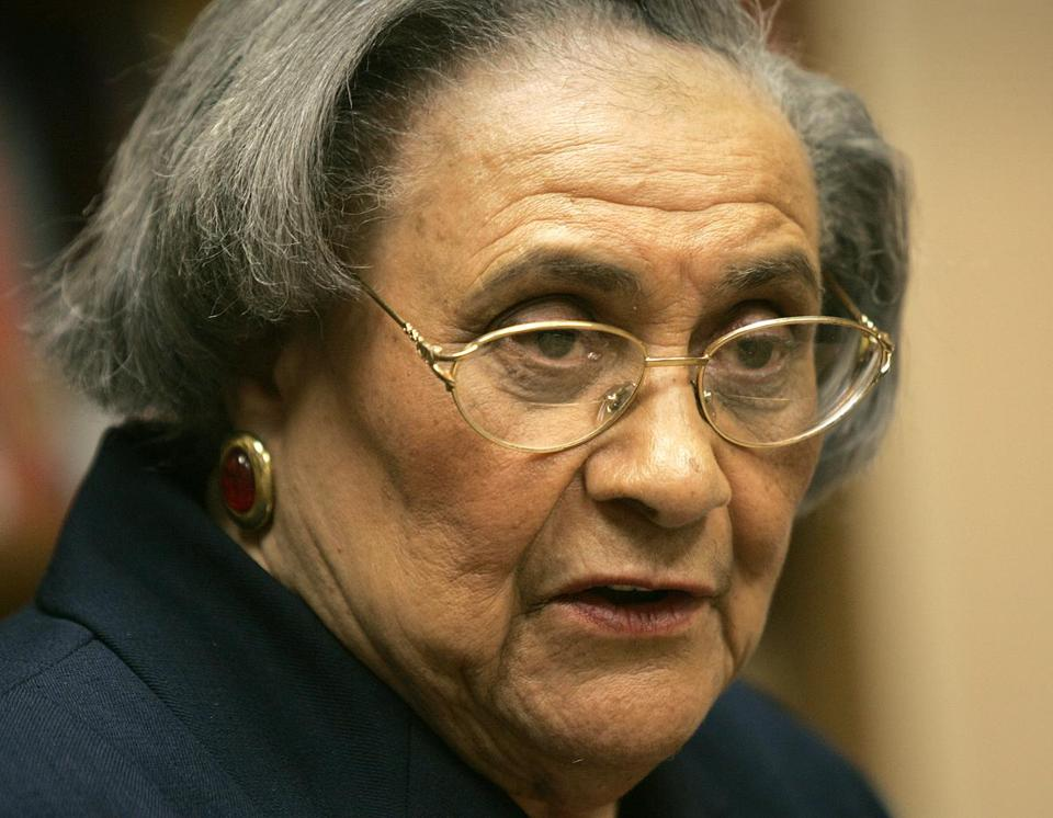 Essie Mae Washington-Williams was not publicly acknowledged by her father, Senator Strom Thurmond.