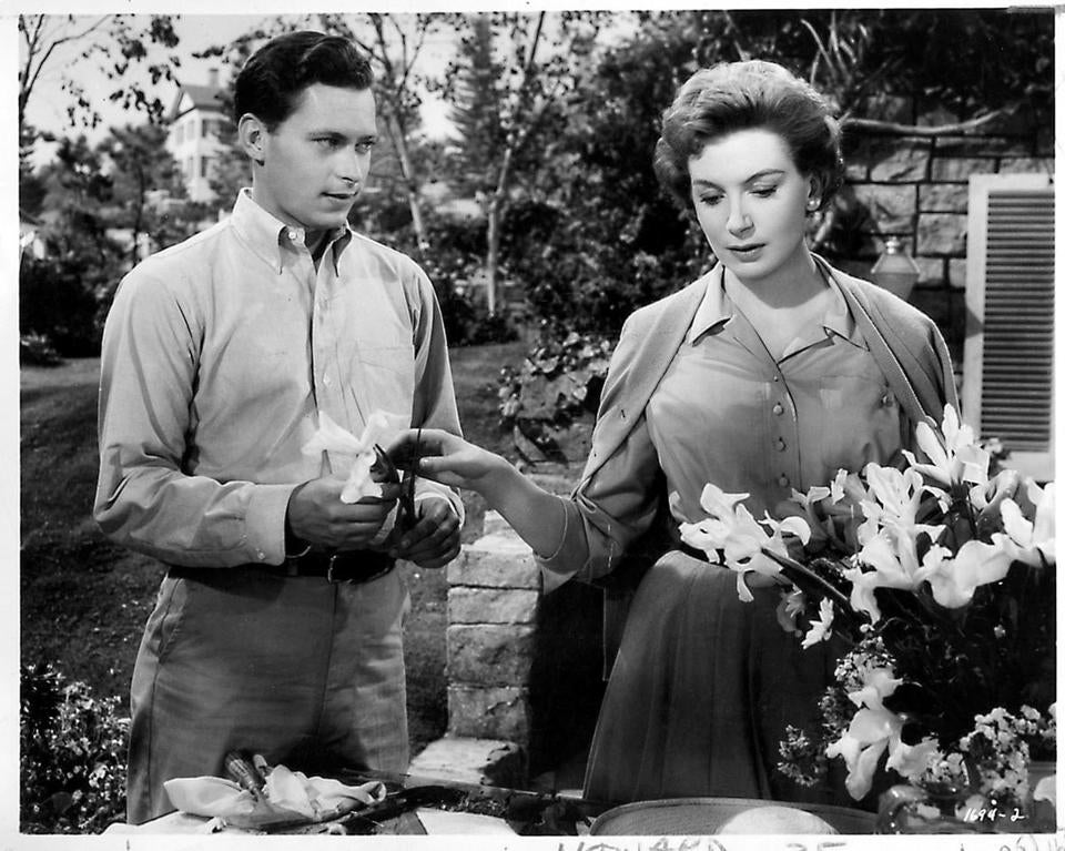 "John Kerr starred with Deborah Kerr in ""Tea and Sympathy,"" a story set in a New England boys' school."