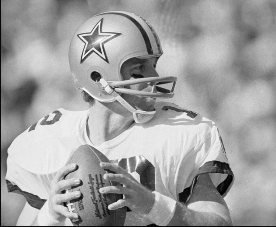 The white-bordered blue star is featured on Dallas helmets.