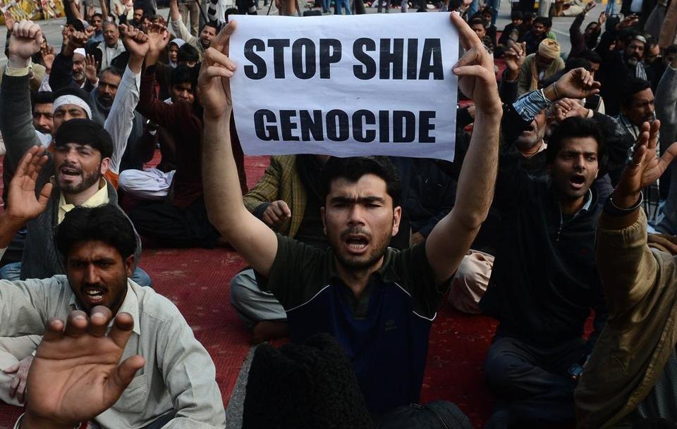 Shi'ite Muslims protested Monday against the bombing that killed 89 people in Quetta, Pakistan, on Saturday.